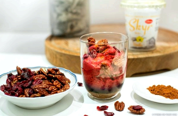fitness-on-toast-faya-blog-book-girl-health-recipe-tasty-skyr-lidl-food-frozen-yoghurt-festive-winter-dessert-recipe-option-5