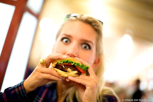 Shake-Shack-Goldie-rox-Burger-fast-food-calories-grand-central-station-New-York-Faya-Fitness-On-Toast-Fitnessontoast-Blog--1-2