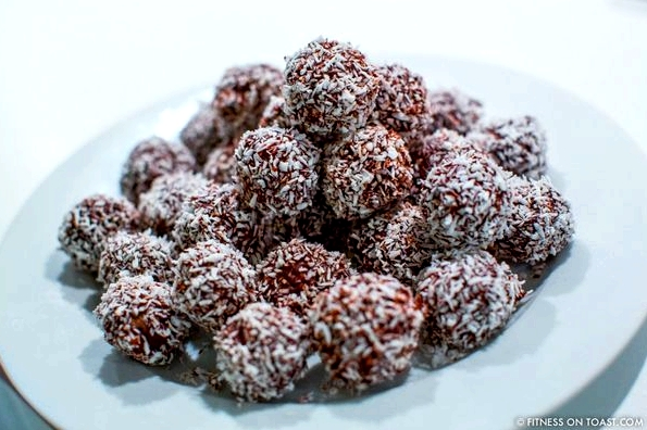 Fitness On Toast Faya Blog Girl Health Recipe Healthy Food Snack Treat Energy Ball Chocolate Coconut Date Natural Regenerate-6