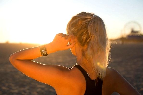 fitness-on-toast-faya-blog-girl-healthy-workout-technology-wearable-watch-apple-iwatch-2-waterproof-review-opinion-4