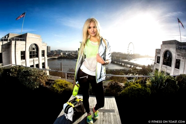 Fitness On Toast Faya Blog Beautiful Day Blue Sky Grazia Fashion Fitness Girl Look SS14 Monreal Vevie Nike Asics Sweaty Betty Gym-2