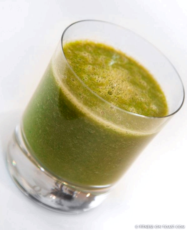 DETOX VEGETABLE JUICEhttp://fitnessontoast.com/2013/01/18/my-vegetable-recovery-juice/