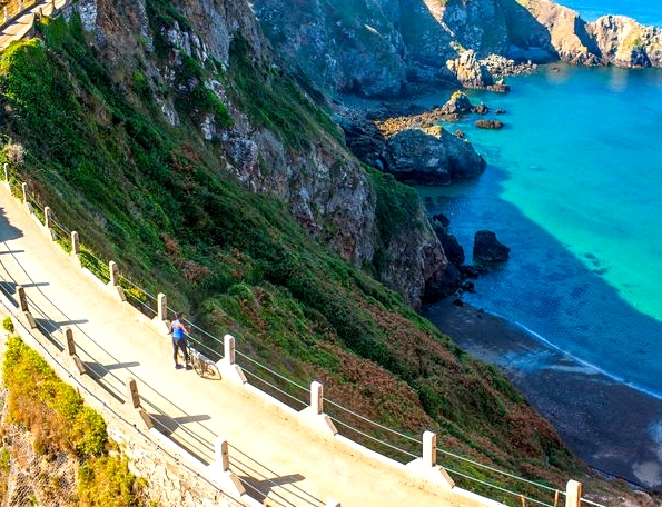 Fitness On Toast Faya Blog Girl Health Workout Fashion Nutrition Topic Nike Trip Sark Channel Islands Active Escape Break Holiday Travel Luxury Running-7