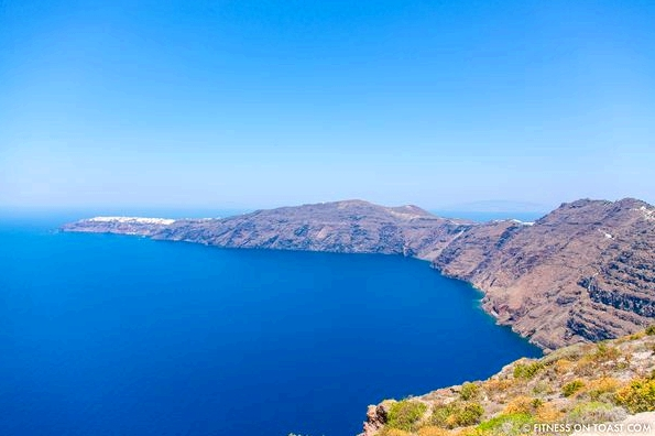 Fitness On Toast Faya Blog Healthy Workout Travel Active Escape H&M Hennes HMSport Fashion Santorini Greece Outfit OOTD-9