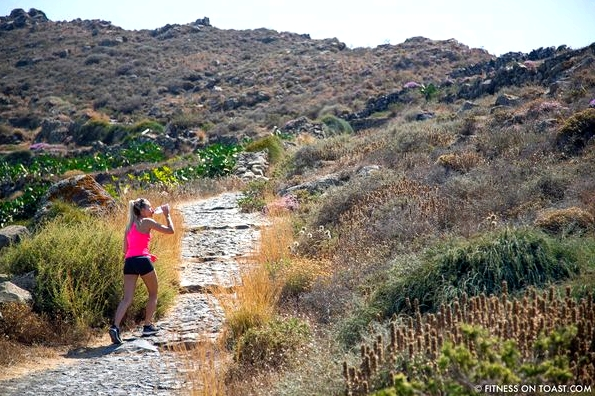 Fitness On Toast Faya Blog Healthy Workout Travel Active Escape H&M Hennes HMSport Fashion Santorini Greece Outfit OOTD-16