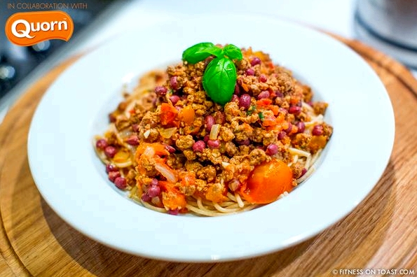 Fitness On Toast Faya Blog Girl Healthy Recipe Food Quorn Bolognese Meal Low Fat Diet Healthier Lighter Light Protein-9