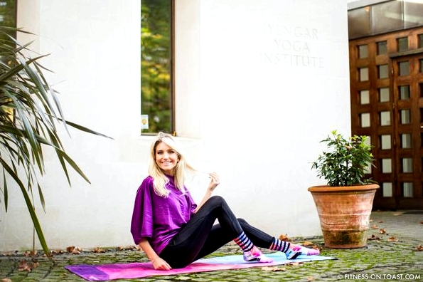 Fitness On Toast Faya Blog Girl Healthy Workout Exercise Yoga Iyengar Maida Vale Stance Sock Healthy Health-8