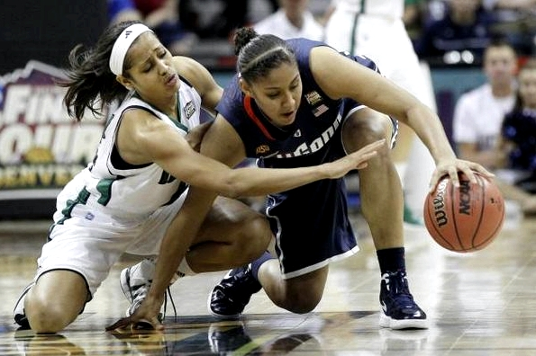(AP/Eric Gay) Notre Dame guard Skylar Diggins (l.) and Connecticut forward Kaleena Mosqueda-Lewis dive for a loose ball.