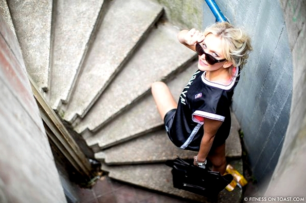 FITNESS ON TOAST FAYA BLOG GIRL HEALTHY WORKOUT STREET FITNESS FASHION LOOK CLOTHES OOTD GYM GEAR KIT STREET STYLE MONOCHROME-14