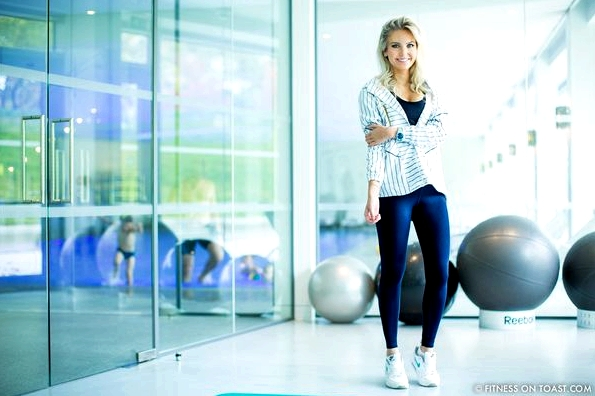 Fitness On Toast Faya Blog Girl Healthy Exercise Workout Gym Training Train Fashion OOTD Hey Jo Leggings Activewear Luxury Coworth Park Dorchester Hotel Lucas Hugh Hoodie-4