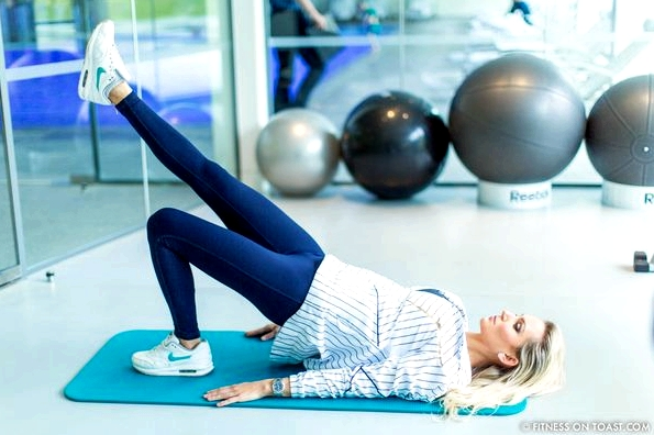 Fitness On Toast Faya Blog Girl Healthy Exercise Workout Gym Training Train Fashion OOTD Hey Jo Leggings Activewear Luxury Coworth Park Dorchester Hotel Lucas Hugh Hoodie-17